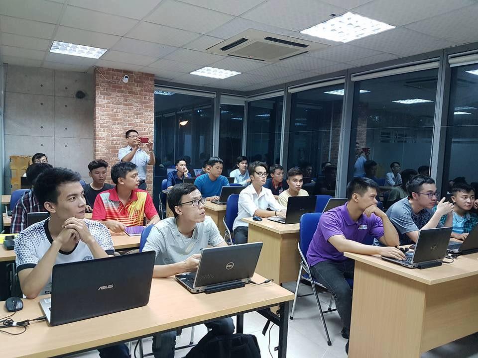 Tại sao bạn nên học Lập trình tại BKACAD ?